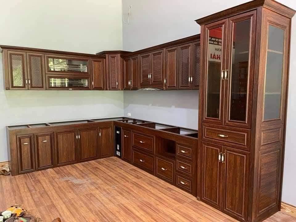 Mẫu tủ bếp nhôm kính 2022